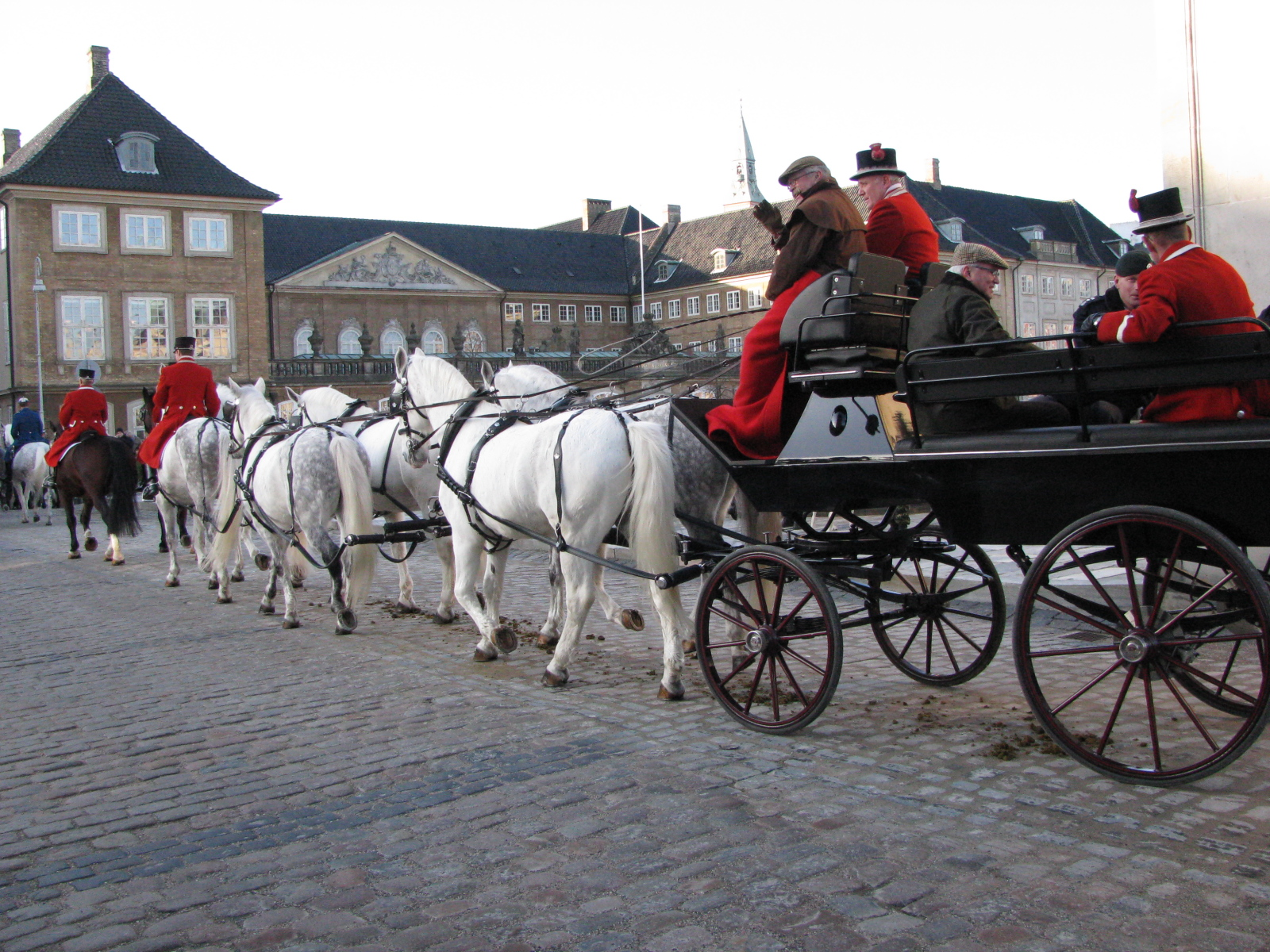 The is a rehearsal tour and it's not the royal couple in the coach either- but members of the Royal Stable and Gard Hussar Regiment.