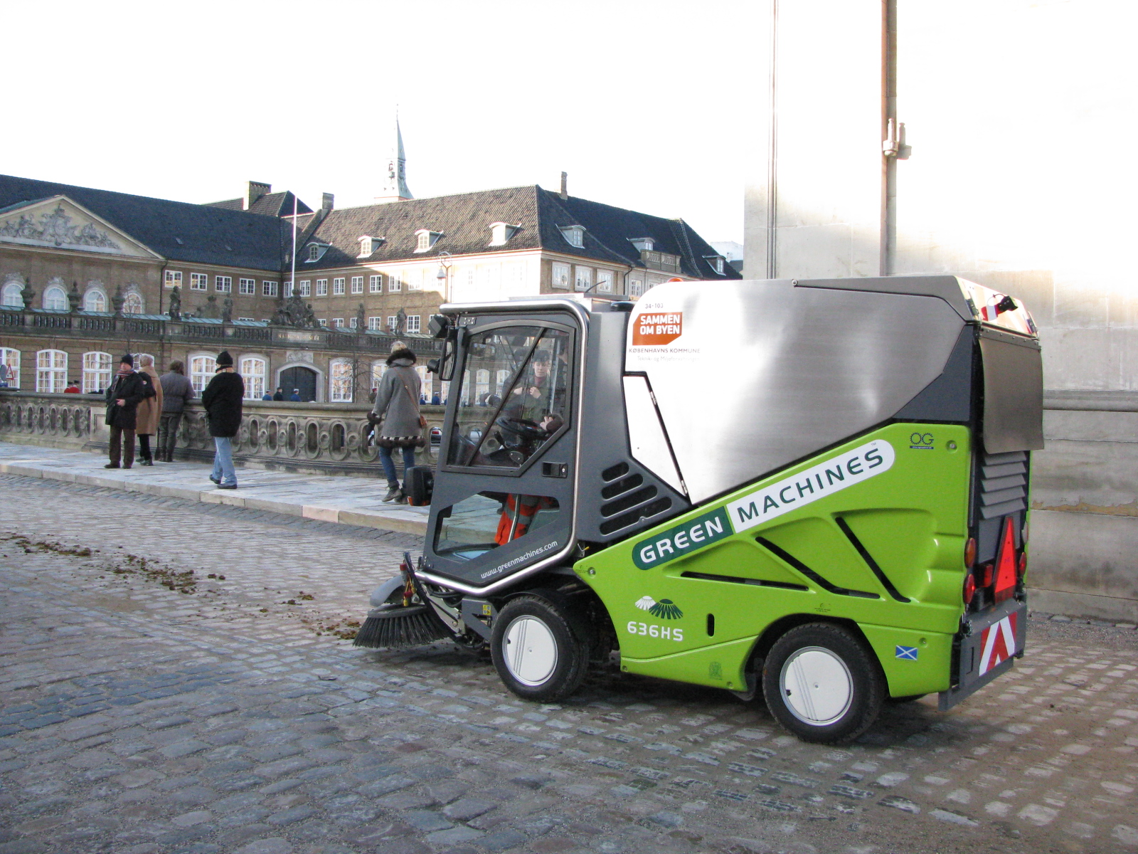 Did you guess what the little green van was for? Of course, a modern waste treatment van is used to pick up what the horses might have dropped!